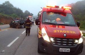 Acidente deixa duas pessoas feridas na Rodovia Oswaldo Cruz Foto: Divulgação