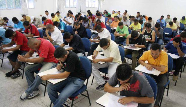 A Prefeitura de Taubaté vai realizar Processo Seletivo para contratação de professores eventuais na Educação Básica e Educação Profissional e Tecnológica.